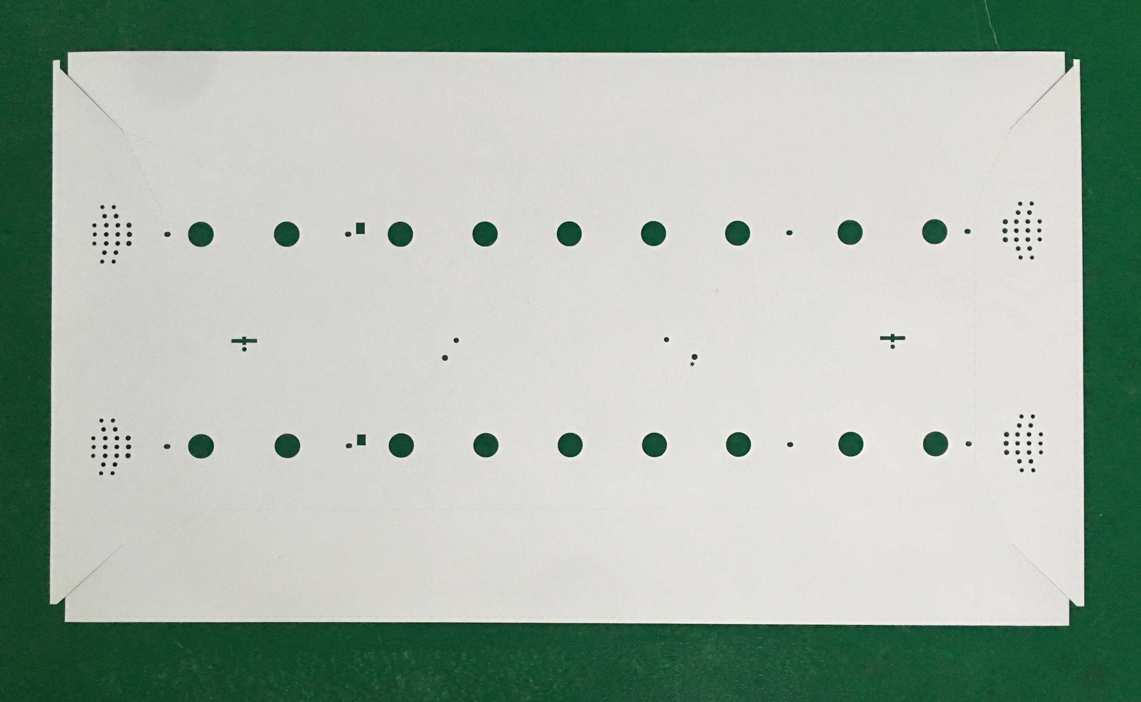 多孔反射片